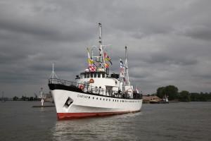 Dampfschiff in Dordrecht bei Dordt in Stoom