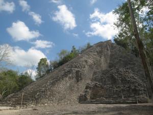 Maya-Pyramide in Coba, Mexiko