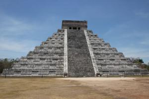 Aufnahme der großen Pyramide in Chichen Itza, Mexiko
