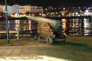 Kanone an der Kade von Willemstad