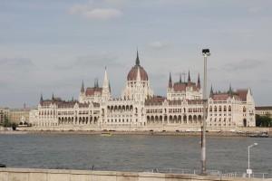 Budapest, Parlament vom gegenüber liegenden Ufer der Donau