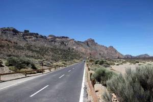 Straße über das Teide-Plateau auf Teneriffa
