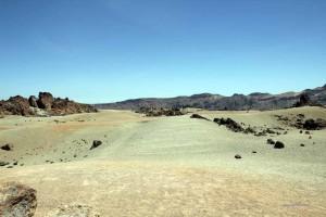 Teinde-Plateau. Abschnitt ohne Vegetation, Mondlandschaft