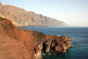Küstentraaße auf Teneriffa mit Blick auf Los Gigantes von Norden