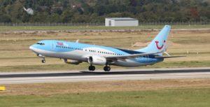 Flug - TUIFly 737 beim Start